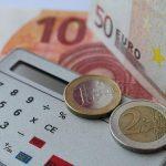 Taschenrechner am Steuer – das wird teuer
